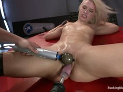 Bald pussy blonde Anikka Albright prefers fucking machines